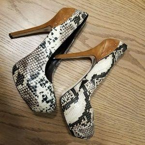 H by HALSTON snakeskin platform heels with suede